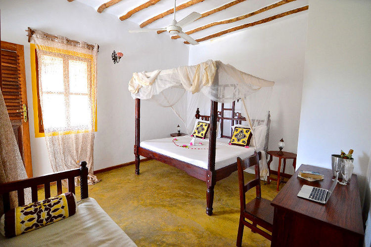 Standard rooms on the ground floor with garden views at Zanzibar